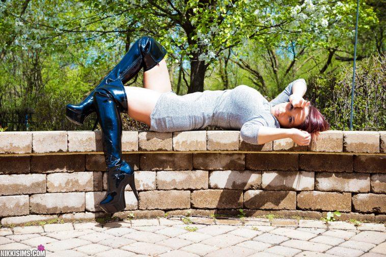 Nikki Sims Dress Thigh 2