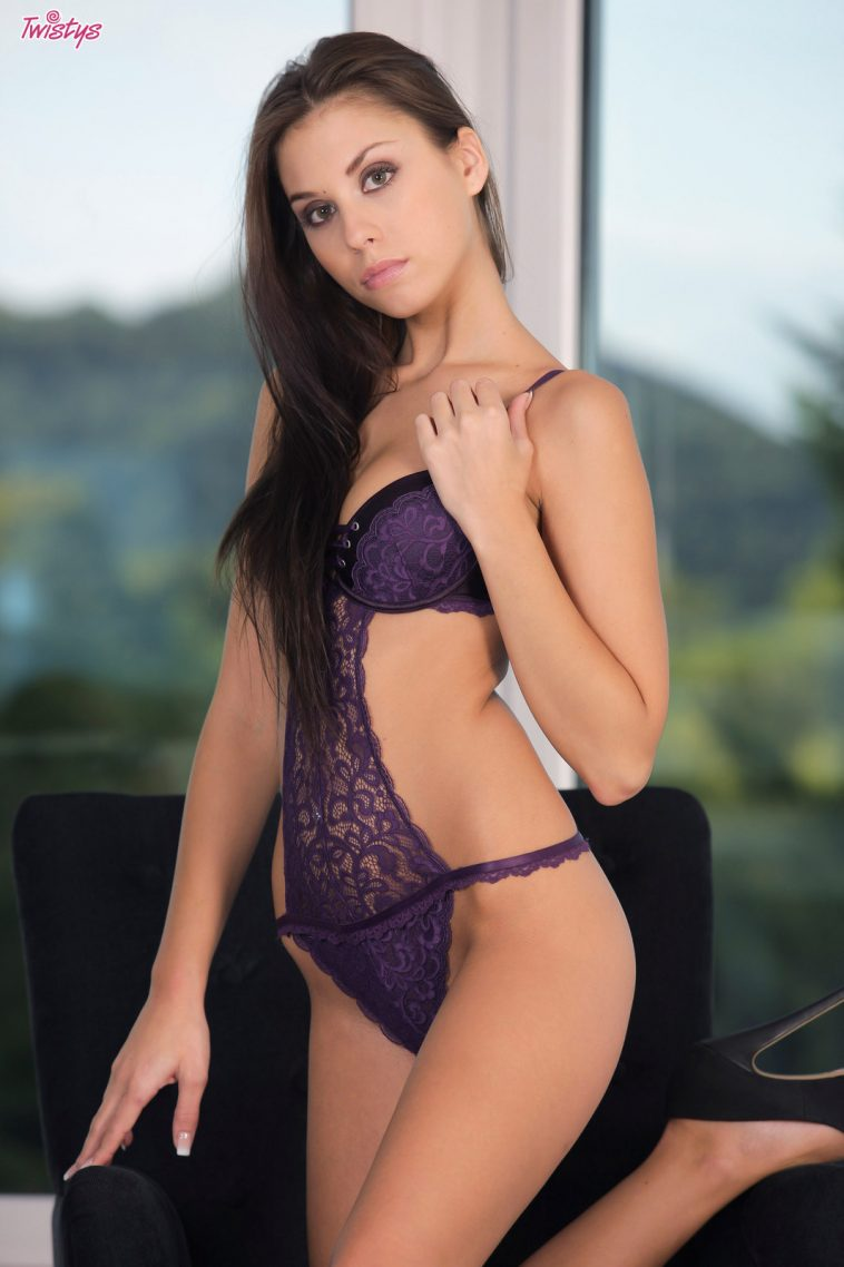 twistys sabrisse in would you take care of me1