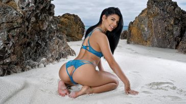 In The Crack Gina Valentina Ocean Life 4