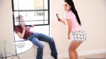 Spy Fam Mira Stone in Horny Stepsis Takes Advantage Of Her Mischievous Stepbro 3