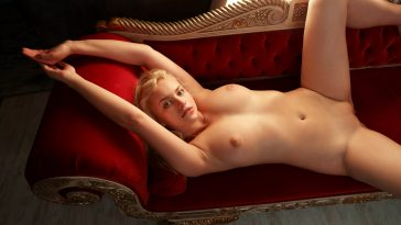 watch4beauty mandy tee stunning blonde 11