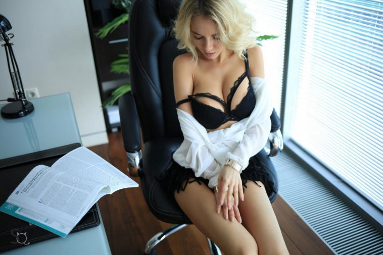 stasyq office nudes with monroq 3